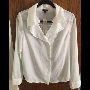Ann Taylor white ruffled blouse Size 8, longsleeve